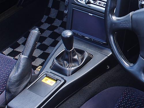初代ロードスター 車内画像6シフトレバー(ショートストローク)