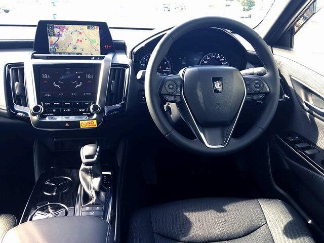 トヨタ クラウンハイブリッド 車内画像2
