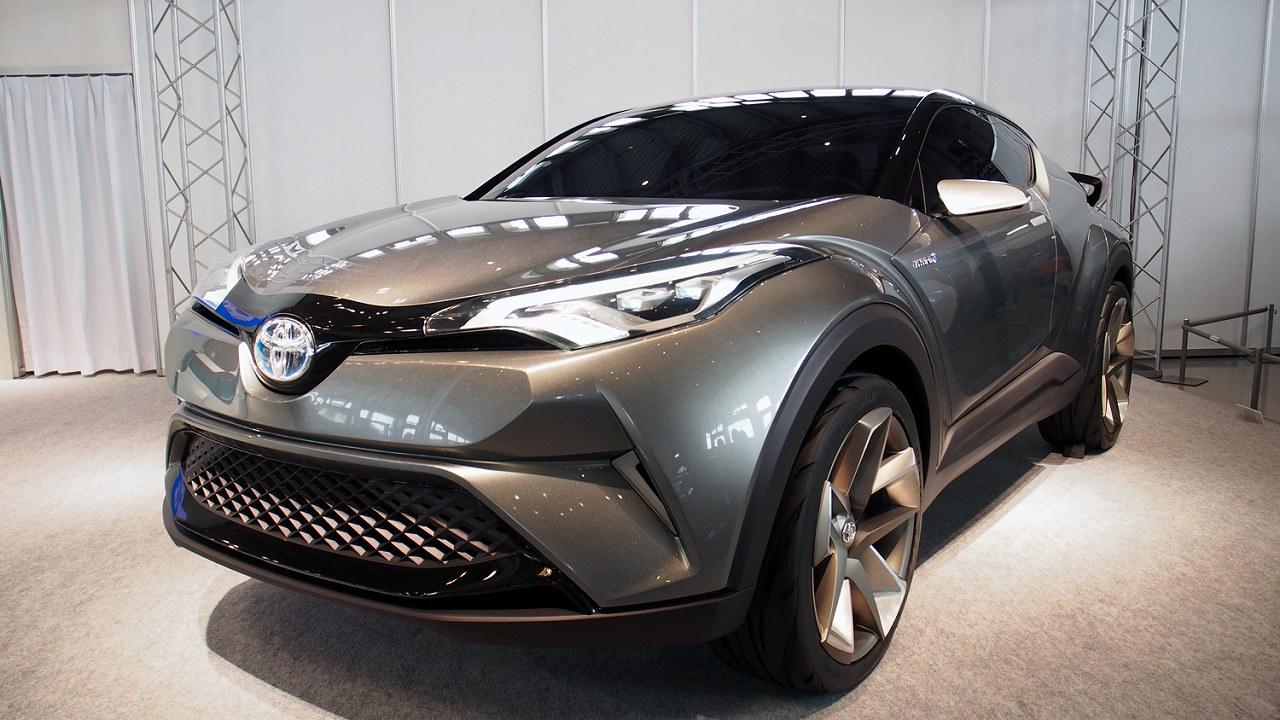 トヨタのコンパクトクロスオーバー「C-HR」は低燃費でありながら洗練されたデザイン!
